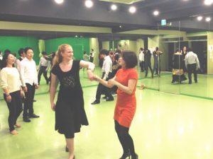 ペアダンス 赤坂 ダンススタジオ レンタルスタジオ 社交ダンス ソシアルダンス ダンスコミュニティー英会話 レッスン IDC