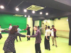 ペアダンス 赤坂 ダンススタジオ レンタルスタジオ 社交ダンス ソシアルダンス ダンスコミュニティー 英会話 国際交流 レッスン